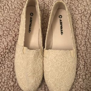 Airwalk White lace flats